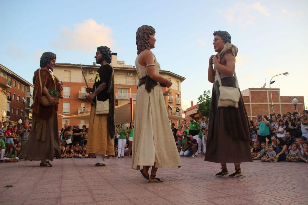 Els Gegants Neolítics de l'Espluga, d'aniversari a Torredembarra