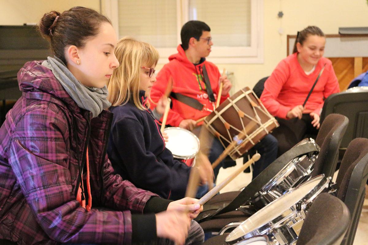 Comença la iniciació a la percussió pels petits i joves de l'entitat