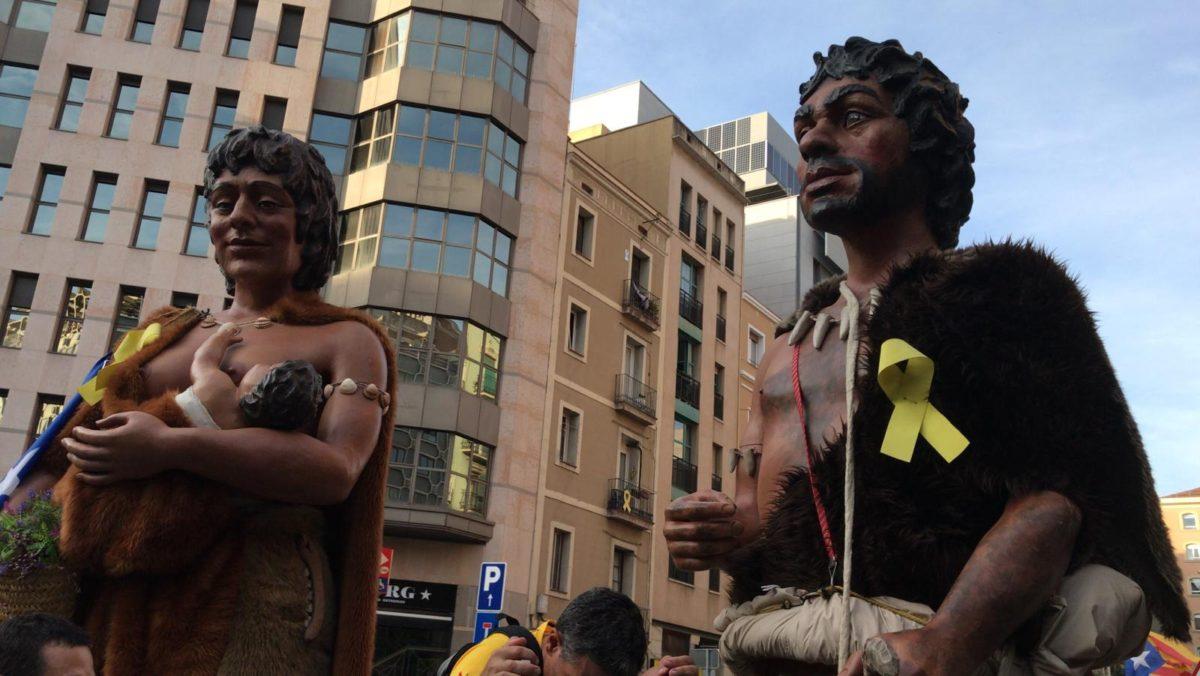 Els Gegants Neolítics, a la manifestació de la Diada per 8è any consecutiu