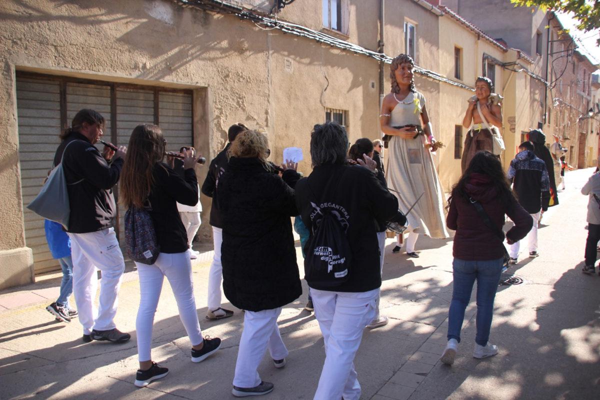 Els Gegants Neolítics i el Rovelló, protagonistes a la Festa Major de Vilaverd