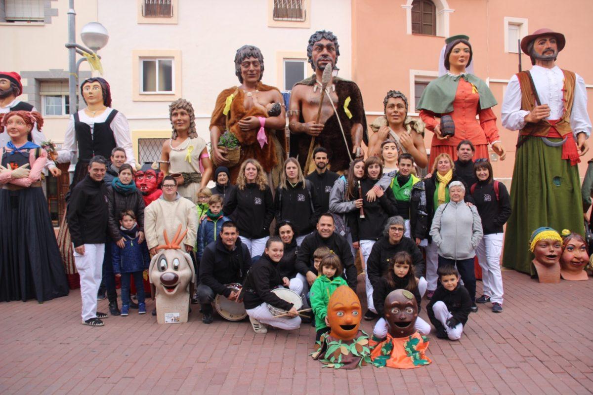 Última actuació de l'any fora vila dels Gegants Neolítics a Vinyols i els Arcs
