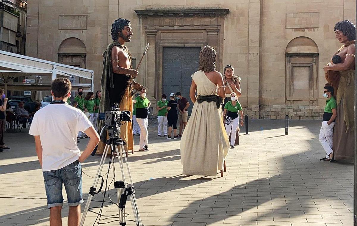 La Dansa dels Gegants Neolítics de l'Espluga, al programa 'L'Estiu és viu' de Tac12